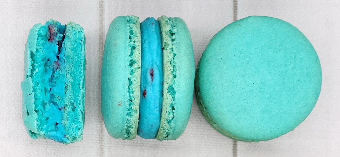 blue raspberry macarons