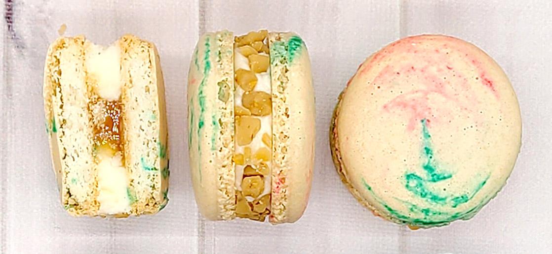 vanilla caramel macarons